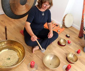 Gonggg - Vibrationen massieren den Körper von innen